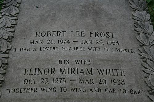 robert frost gravestone
