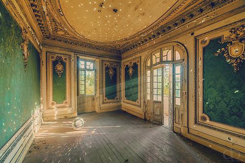 beautiful-european-room